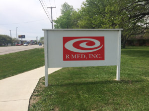 R-Med Logo Sign